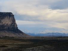 Heading toward Skaftafell. Vatnajökull ice cap in the distance. Note the empty road (again!)