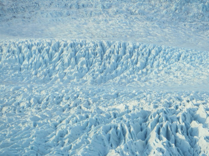 ... and a close up of the Fjallsjökull glacier (from the same moving car)