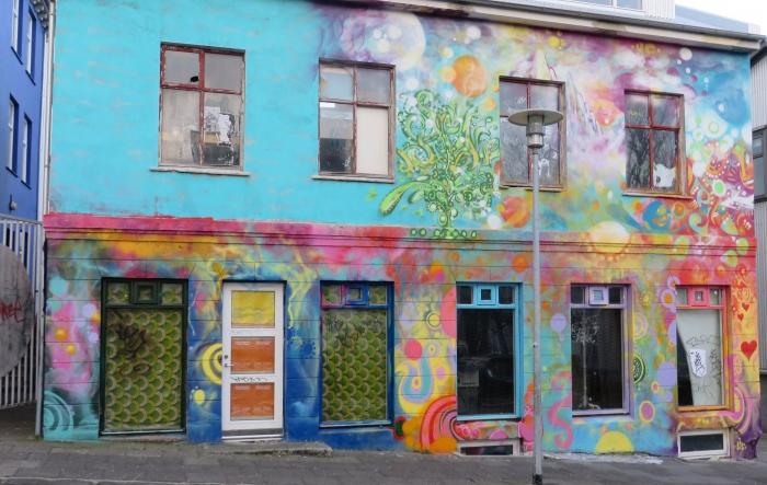 Building art in central Reykjavík
