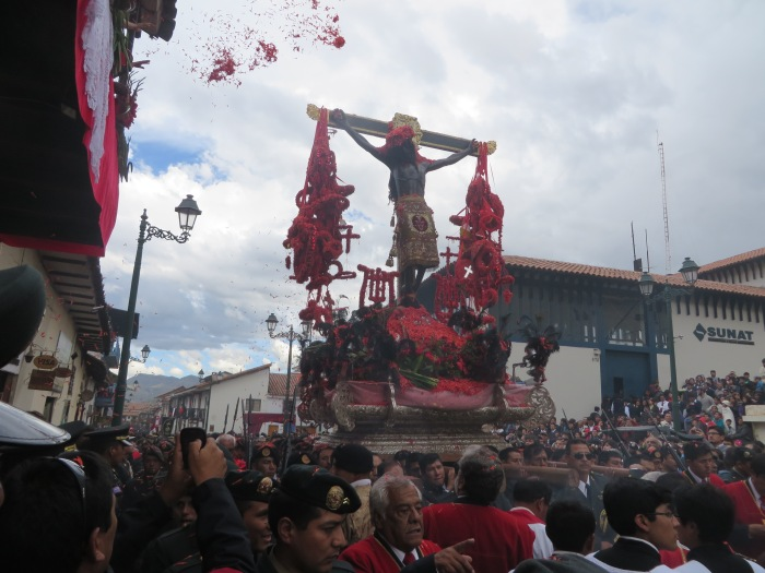 El Senor (with incoming nucchu flowers)
