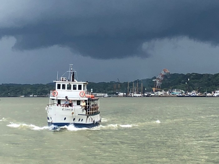 Panama Canal - Chased by a storm